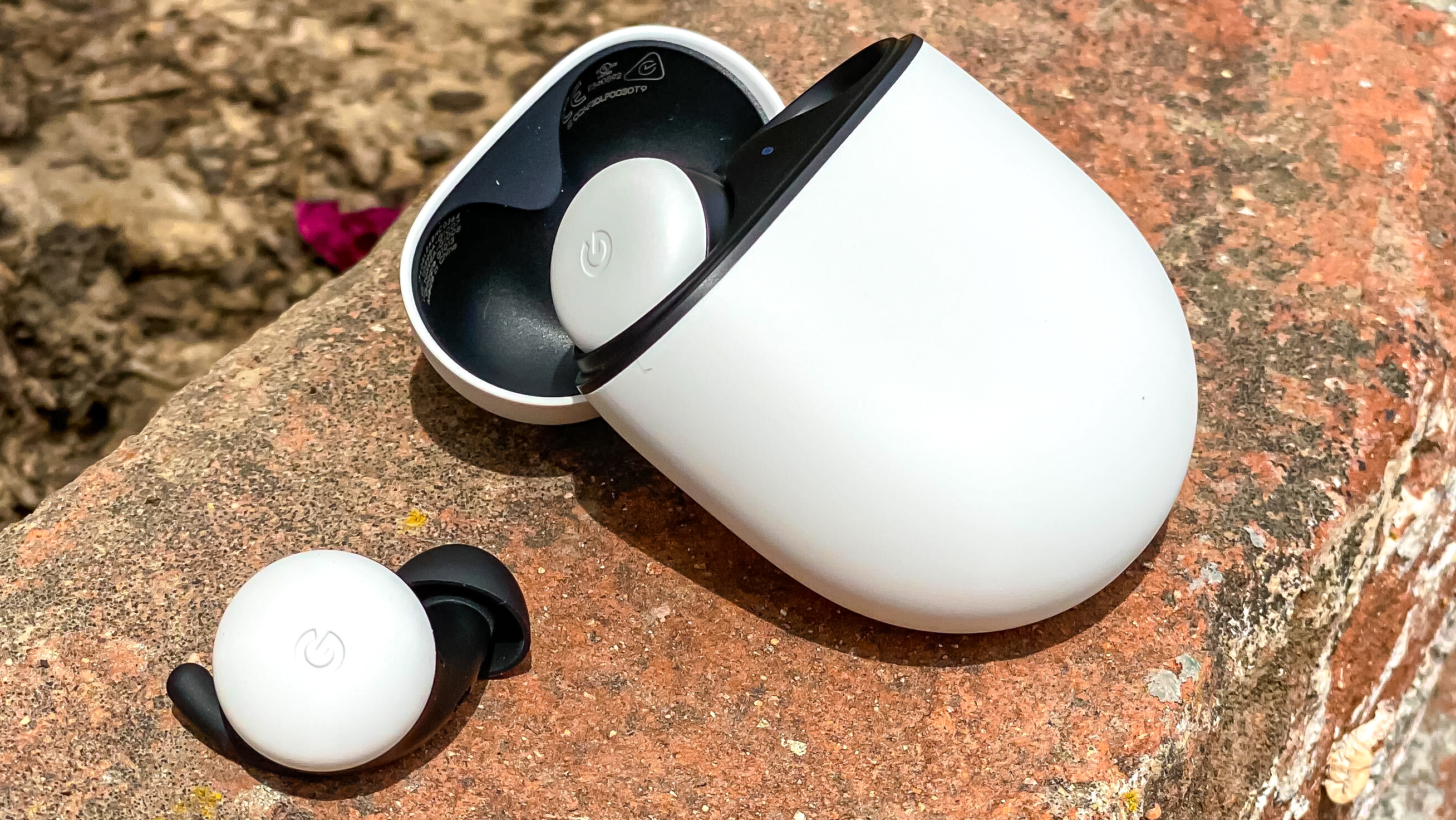 Google Pixel Buds 2- review